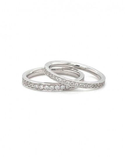 Ring mit Peridot im Blütenschliff aus 14 Karat Gelbgold