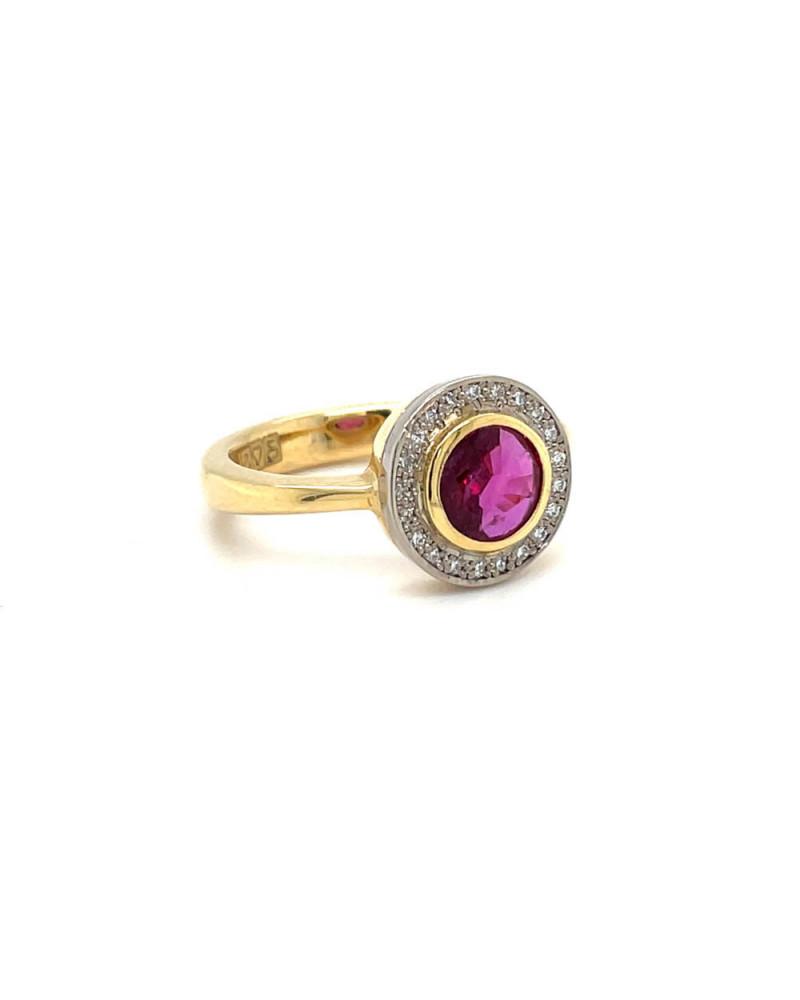 Ring mit graviertem Wappen aus 18 Karat Gelbgold